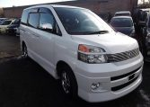 2004 WHITE Toyota Voxy For Sale 2.0 Z Auto 8 Seater MPV (V8)