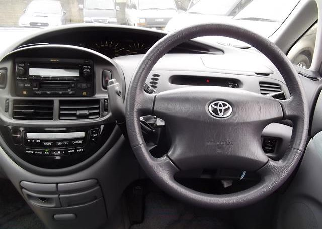 2001 Toyota Estima 2.4 Auto 7 Seater LPG Converted MPV (P28), Interior View Dashboard & Steering Wheel