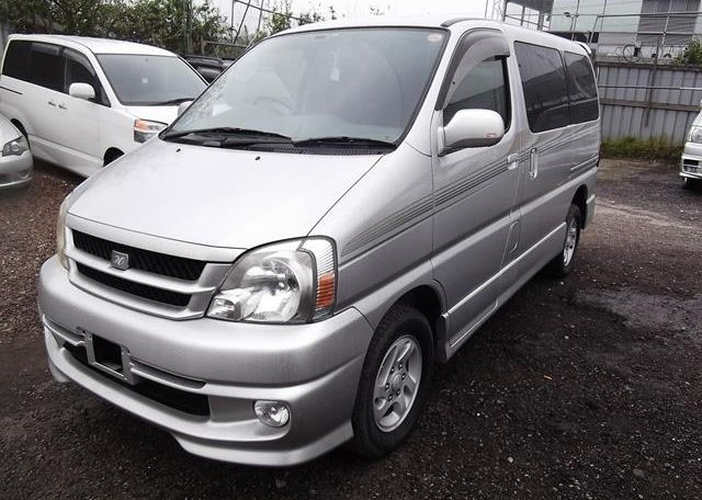 2001 Toyota Touring Hiace 2.7 Auto 8 Seater MPV (F2), Front View, Passengers Side, Japanese import cars at All Japanese Motors.