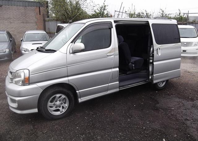 2001 Toyota Touring Hiace 2.7 Auto 8 Seater MPV (F2), Side View, Passengers Side, Sliding Door