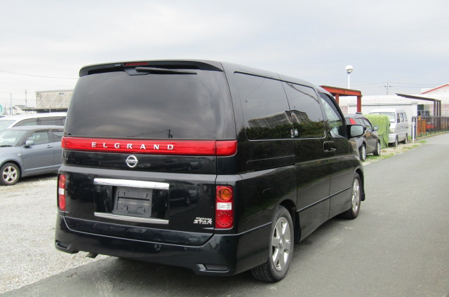 2005 Nissan Elgrand 2.5 V6 Auto ME51 Highway Star 8 Seater MPV (E53)., Rear View, Drivers Side