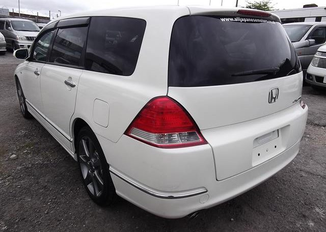 2006 Honda Odyssey 2.4 IVTEC Type M Auto 7 Seater MPV (H74), Rear View, Passengers Side