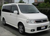 2004 Honda Stepwagon 2.4 Spada 24T Auto 8 Seater MPV (H44), Front View, Drivers Side, Japanese imports.