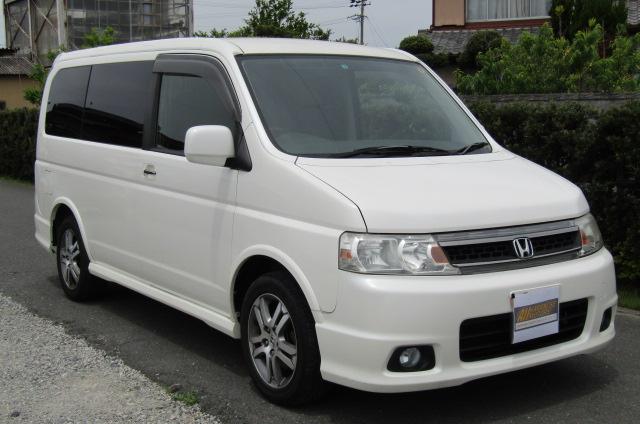 2004 Honda Stepwagon 2.4 Spada 24T Auto 8 Seater MPV (H44), Front View, Drivers Side, Japanese imports.