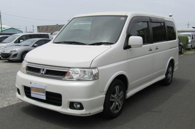 2004 Honda Stepwagon 2.4 Spada 24T Auto 8 Seater MPV (H44), Front View, Passengers Side, Japanese import cars.