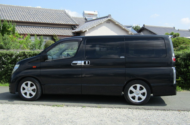 2003 Nissan Elgrand 3.5 V6 Auto Highway Star With Disabled Access Seat With Wheel Chair (A21), Side View, Passengers Side