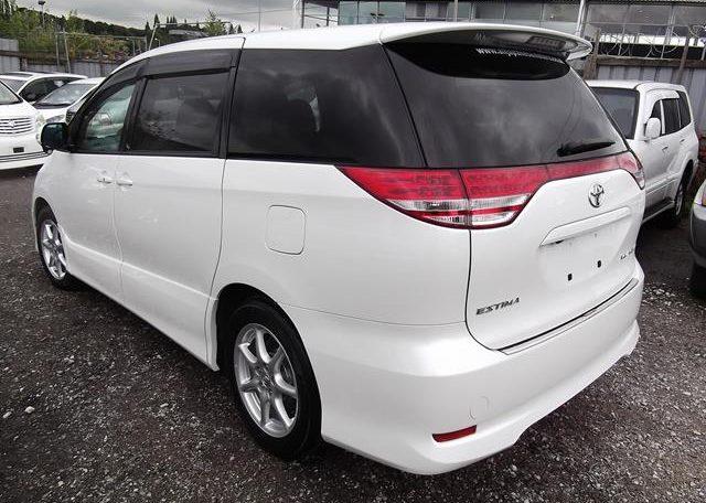 2006 Toyota Estima 3.5 V6 Aeras GSR50 Auto 8 Seater MPV (C2), Rear View, Passengers Side. Jap imports UK.