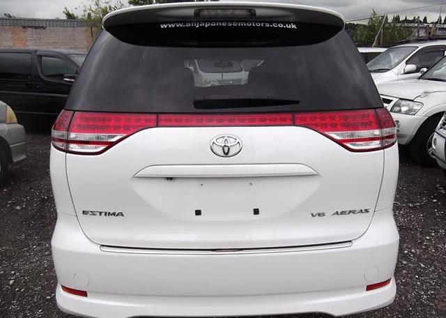 2006 Toyota Estima 3.5 V6 Aeras GSR50 Auto 8 Seater MPV (C2), Rear View. Japanese import cars.
