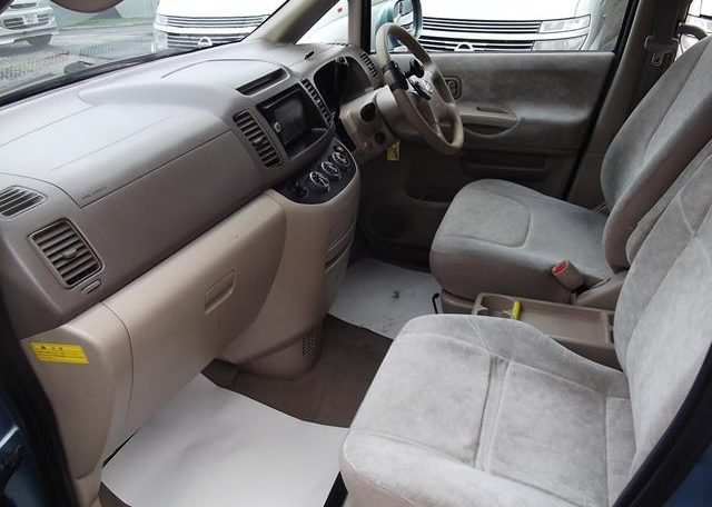 2002 Nissan Serena 2.0 Auto 7 Seater Mpv With Electric Disabled Chair And Rear Electric Ramp, Blue(A2), Interior View Dashboard & Steering Wheel. Passenger Side