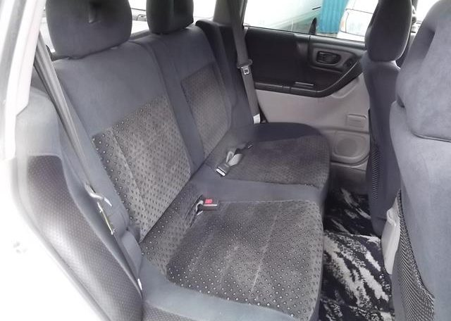 2002 Subaru Forester 2.0 Manual Stb Turbo 4WD Estate, White (S33), Interior View Rear Seats. Japanese import cars uk.