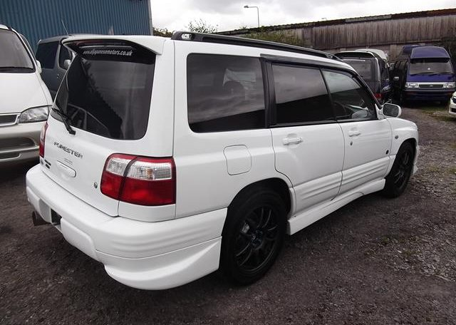 2002 Subaru Forester 2.0 Manual Stb Turbo 4WD Estate, White (S33), Rear View, Drivers Side. Jap imports UK.