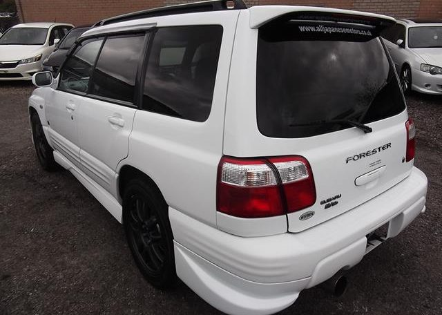 2002 Subaru Forester 2.0 Manual Stb Turbo 4WD Estate, White (S33), Rear View, Passengers Side. Japanese car imports UK.