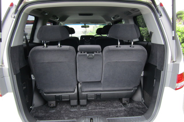 2006 Honda Elysion 2.4 G Aero Vtec Rr1 Auto 8 Seater MPV, White (H85), Interior View Rear Seats (from Boot)