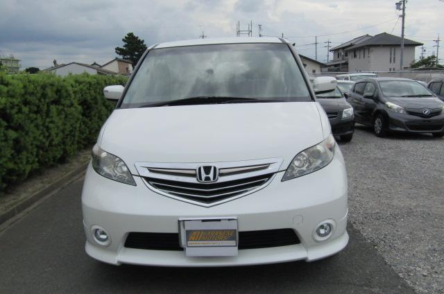 2006 Honda Elysion 2.4 G Aero Vtec Rr1 Auto 8 Seater MPV, White (H85), Front View, Jap imports from KV Cars Ltd.
