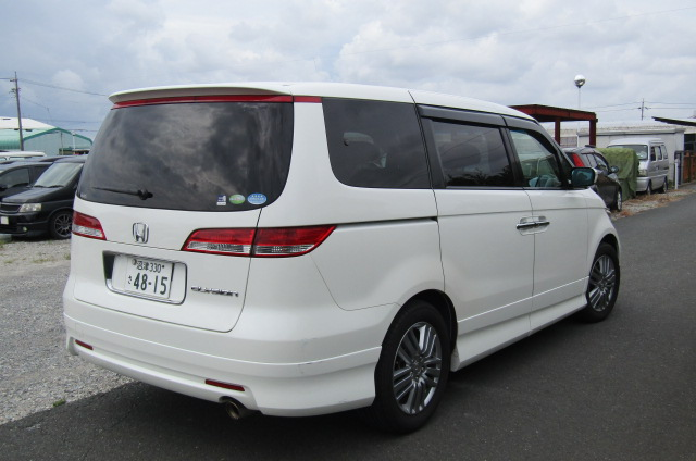 2006 Honda Elysion 2.4 G Aero Vtec Rr1 Auto 8 Seater MPV, White (H85), Rear View, Drivers Side