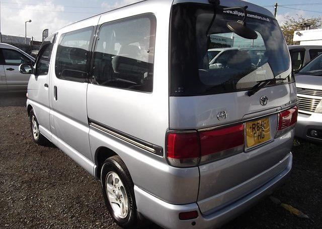 1997 Toyota Regius 3.0 TD Auto 8 Seater MPV (P42), Rear View, Passengers Side. Jap imports UK.