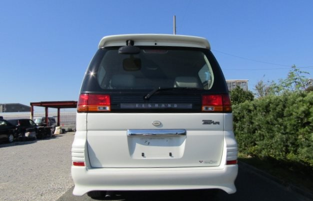 2000 Nissan Elgrand 3.5 Auto Highway Star 8 Seater MPV (E2), Rear View. Japanese import cars.