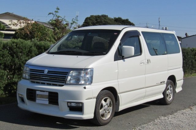 2000 Nissan Elgrand 3.5 Auto Highway Star 8 Seater MPV (E2), Front View, Passengers Side. Japanese imports for sale.