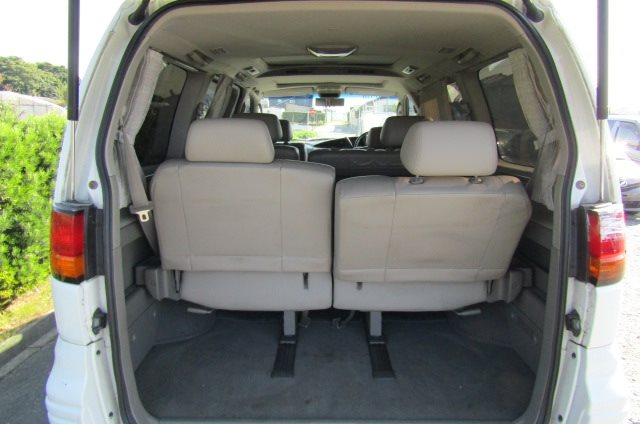 2000 Nissan Elgrand 3.5 Highway Star Auto Optional 4WD 8 Seater MPV (E91), Interior View Rear Seats Down For Storage