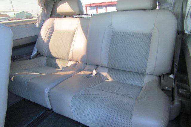 2000 Nissan Elgrand 3.5 Highway Star Auto Optional 4WD 8 Seater MPV (E91), Interior View Rear Seats