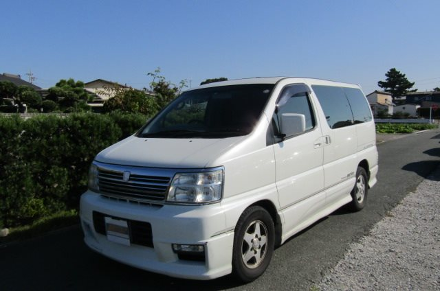 2000 Nissan Elgrand 3.5 Highway Star Auto Optional 4WD 8 Seater MPV (E91), Front View, Passengers Side. Japanese imports for sale.