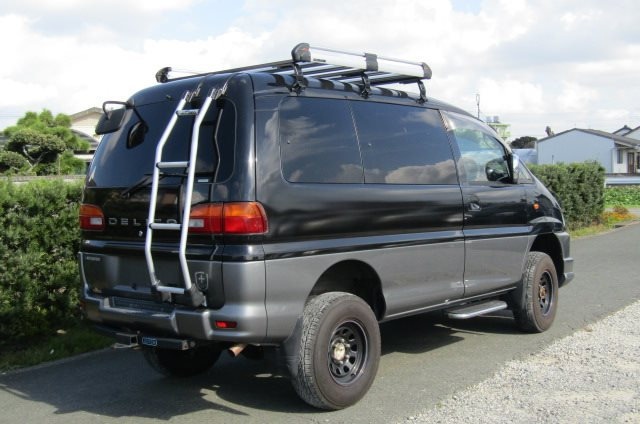 2002 Mitsubishi Delica 3.0 V6 Auto Chamonix Optional 4WD 8 Seater MPV For Sale (R55), Rear View, Drivers Side. Japanese import cars.