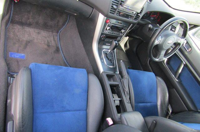 2004 Subaru Legacy 2.0 Gt Spec B Wr Ltd Twin Scroll Bp5 Turbo Auto Estate (S56), Interior View Dashboard, Steering Wheel & Gear Stick. Japanese import cars uk.