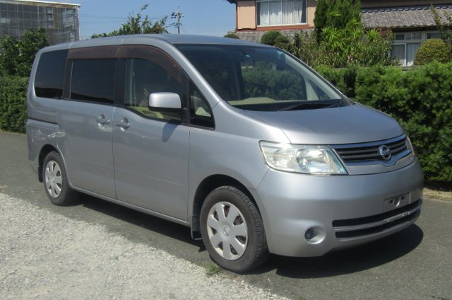 2005 NISSAN SERENA 2.0 Auto Disabled Access Electric Wheel Chair 7 Seater MPV (A66), Front View, Drivers Side. Japanese imports.