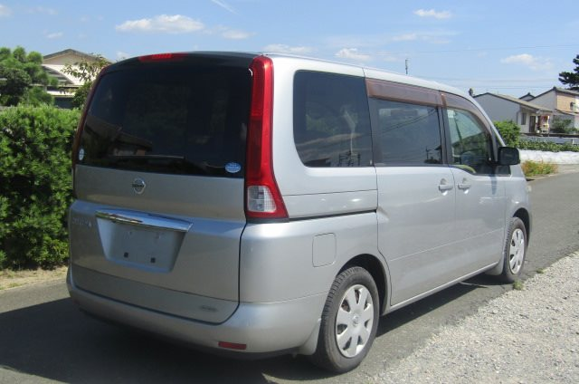2005 NISSAN SERENA 2.0 Auto Disabled Access Electric Wheel Chair 7 Seater MPV (A66), Rear View, Drivers Side. Jap imports UK.