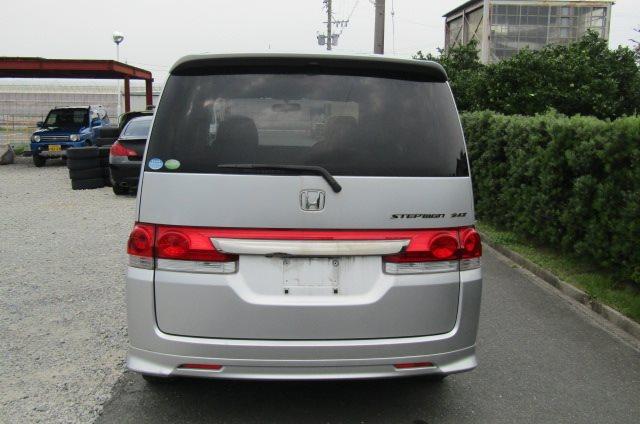2006 Honda Stepwagon 2.4 Auto Rg3 8 Seater MPV (H68), Rear View