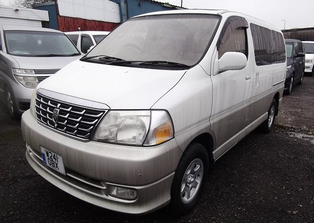 2000 Toyota Grand Hiace 3.4 V6 Auto 4wd 8 Seater MPV (P31) For Sale (Ref: Z40), Front View, Passengers Side