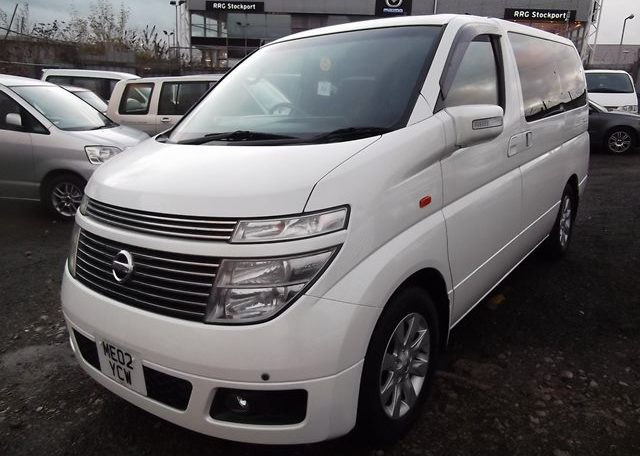 2003 Nissan Elgrand 3.5 E51 V6 Optional 4WD Auto 8 Seater MPV (P22), Front View, Passengers Side. Japanese imports for sale.