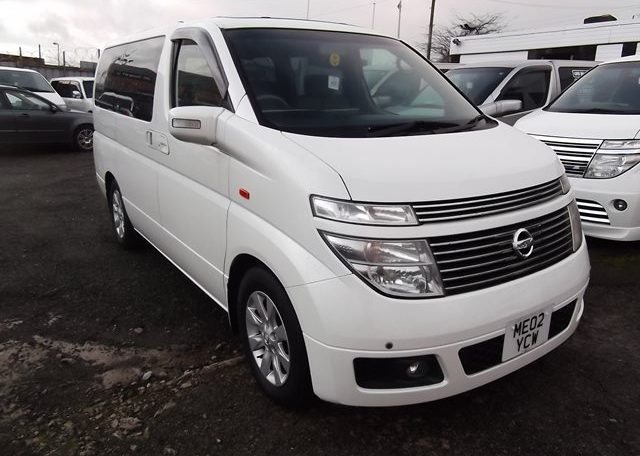2003 Nissan Elgrand 3.5 E51 V6 Optional 4WD Auto 8 Seater MPV (P22), Front View, Drivers Side. Japanese imports.
