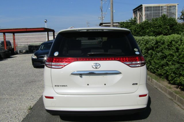 2006 Toyota Estima 2.4 Aeras S Package 7 Seater MPV (C28), Rear View. Japanese import cars.