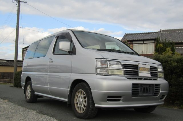 1998 Nissan Elgrand 3.3 E50 Optional 4WD Auto 8 Seater MPV (E87), Front View, Drivers Side. Japanese imports.