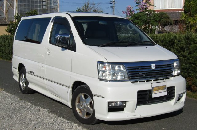 2001 Nissan Elgrand 3.5 Highway Star Auto 8 Seater MPV (E96), Front View, Drivers Side. Nissan Elgrand dealers.