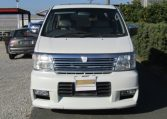 2001 Nissan Elgrand 3.5 Highway Star Auto 8 Seater MPV (E96), Front View. Nissan Elgrand dealer.