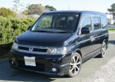 2003 Honda Stepwagon 2.4 Spada 24t Auto 8 Seater MPV (H74), Front View, Passengers Side, Japanese import cars.