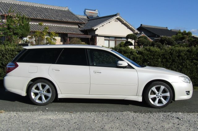 2007 Subaru Legacy 2.0 Gt Si Drive B Spec 4WD Faceligt Auto Estate (S63), Side View, Drivers Side. Import Japanese cars uk.
