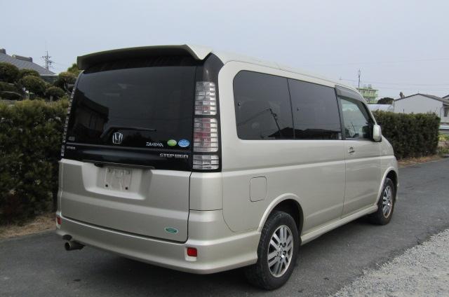 2004 Honda Stepwagon 2.0 4wd Spada Auto 8 Seater MPV (H5), Rear View, Drivers Side. Japanese import cars.