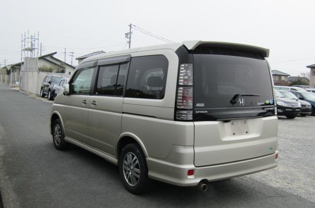 2004 Honda Stepwagon 2.0 4wd Spada Auto 8 Seater MPV (H5), Rear View, Passengers Side. Jap imports UK.
