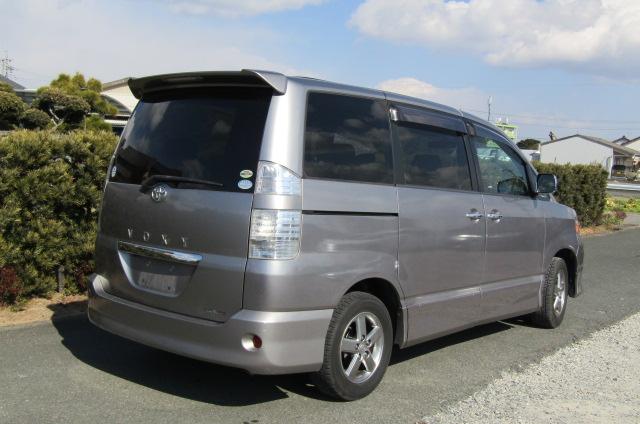 2006 Toyota Voxy 2.0 Auto Z Kirameki 8 Seater MPV (V44), Rear View, Drivers Side. Japanese import cars.