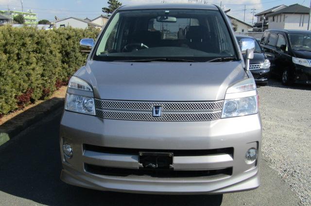 2006 Toyota Voxy 2.0 Auto Z Kirameki 8 Seater MPV (V44), Front View. Jap imports.