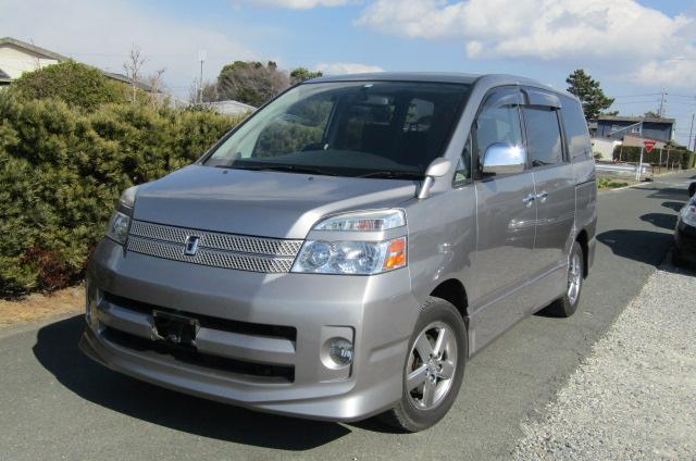 2006 Toyota Voxy 2.0 Auto Z Kirameki 8 Seater MPV (V44), Front View, Passengers Side. Japanese imports for sale.