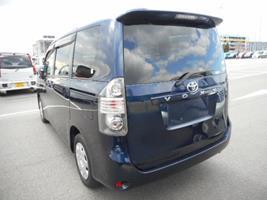 2007 Toyota Voxy 2.0 Facelift Ltd Edn Auto 8 Seater MPV (V90), Rear View, Passengers Side. Jap imports UK.