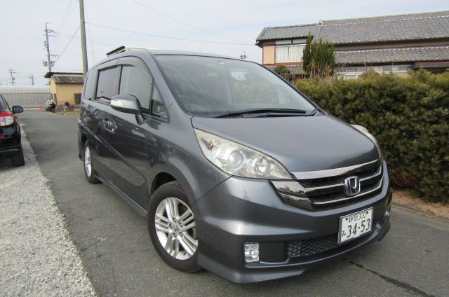2008 Honda Stepwagon 2.4 Spada 24 Z Auto 8 Seater MPV (H36), Front View, Drivers Side. Japanese imports.