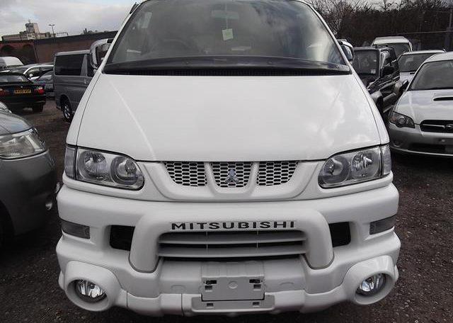2005 Mitsubishi Delica 3.0 V6 Auto Special Edition Optional 4WD 8 Seater MPV (R20), Front View. Jap imports.