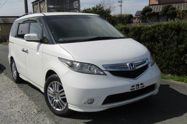 2004 Honda Elysion 3.0 V6 Ivtec Vg 8 Seater MPV (H96), Front View, Drivers Side, Japanese imports by KV Cars.