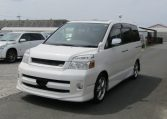 2007 Toyota Voxy 2.0 GZ Kirameki Auto 8 Seater MPV (V40), Front View, Passengers Side. Japanese imports for sale.