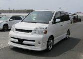 2007 Toyota Voxy 2.0 GZ Kirameki Auto 8 Seater MPV (V40), Front View, Passengers Side. Japanese imports for sale.